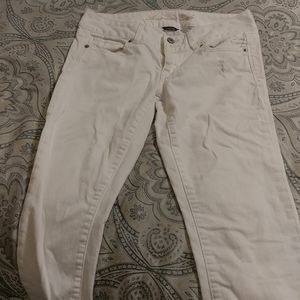American Eagle Artist White Distressed Ankle Jeans